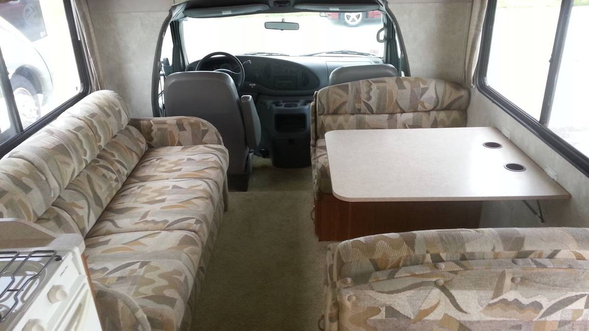 2002 Ford Coachman Catalina 28FT Camper For Sale in Gainesville, FL