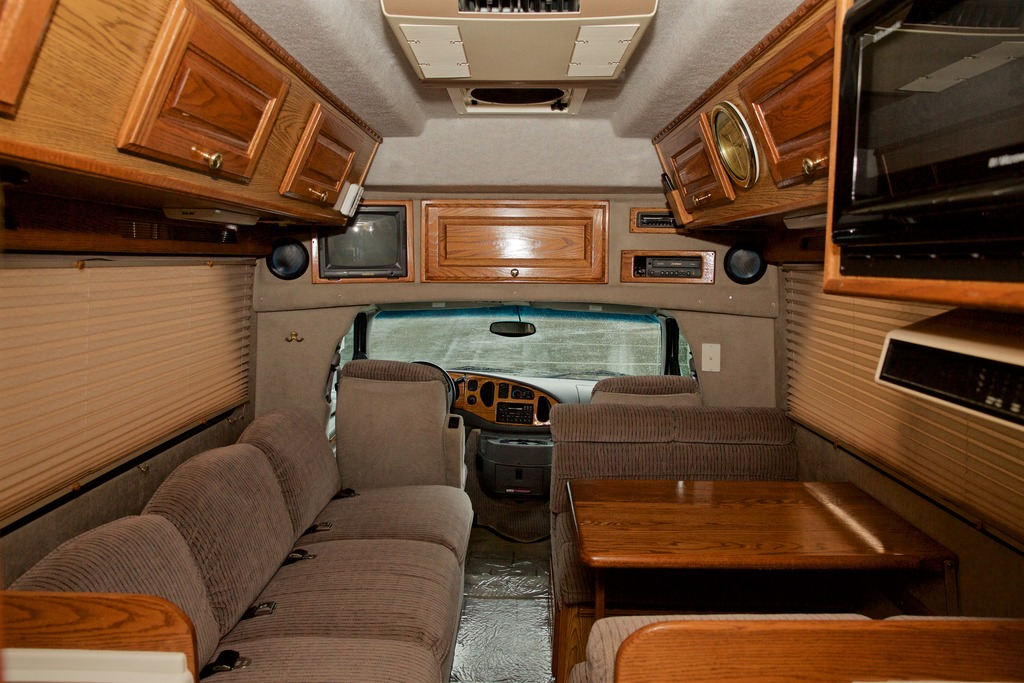 2000 Ford Chinook Concourse XL Camper For Sale in Irving ...