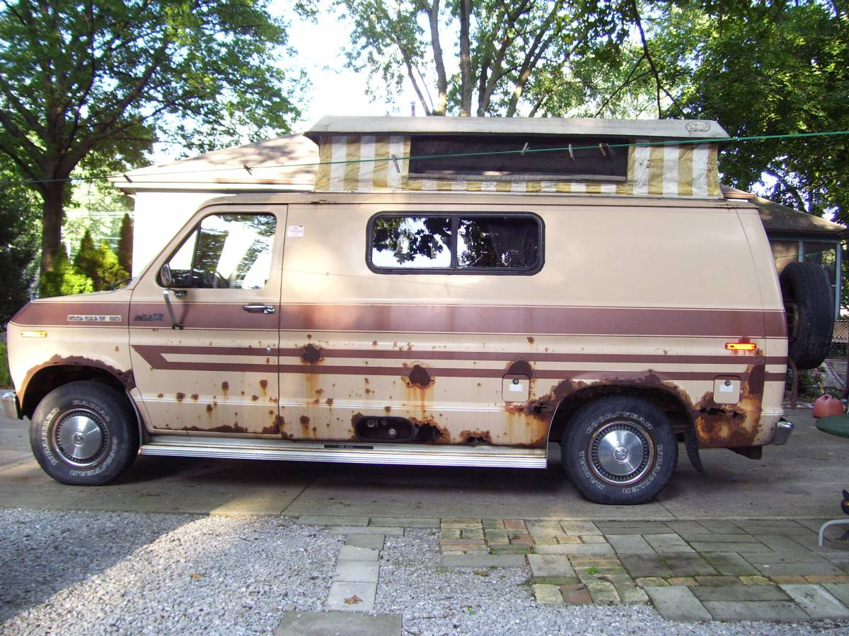 1984 Ford E-150 Camper For Sale in Fort Wayne, Indiana
