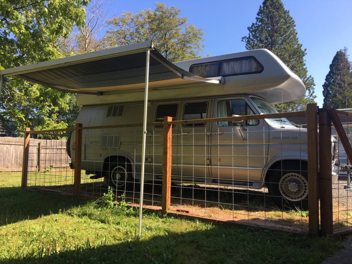 1990 Ford E350 Camper For Sale in Kent, Washington